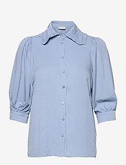 FREE/QUENT - FQELLENOR-SH - kortærmede bluser - chambray blue - 0