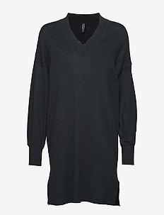 BERRY-DR - sukienki dzianinowe - black