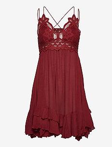 Adella Slip - chemises de nuit - dark red cherry