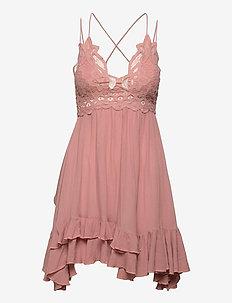 Adella Slip - chemises de nuit - rose