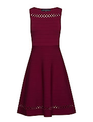 KAI CREPE KNTS SLESS FIT FLARE - BAKED CHERRY