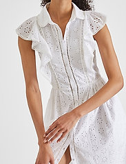 French Connection - DUNA LAWN EMBROIDERY DRESS - sommerkjoler - summer white - 3