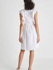 French Connection - DUNA LAWN EMBROIDERY DRESS - sommerkjoler - summer white - 4