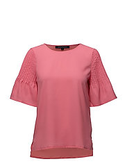 CLASSIC CREPE LIGHT FLUTED SLEVE TOP - COSMO