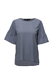 CLASSIC CREPE LIGHT FLUTED SLEVE TOP - SMOULDER
