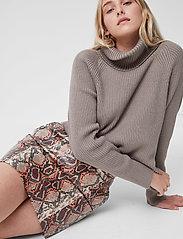 French Connection - BONNIE PU SKIRT - korta kjolar - neutral - 4
