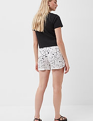 French Connection - DROPLET DRAPE SHORTS - shorts casual - summer white/black - 3