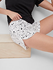 French Connection - DROPLET DRAPE SHORTS - shorts casual - summer white/black - 4