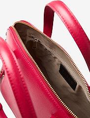 Furla - FURLA PIPER M DOME - handväskor - ruby - 3