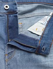 G-star RAW - 3301 Slim short - denim shorts - vintage striking blue - 3