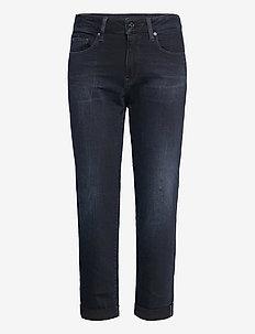Kate Boyfriend Wmn - boyfriend jeans - worn in eve destroyed