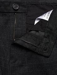 Gabba - Pisa KD3920 Black Shadow Check Pant - chinos - black check - 3