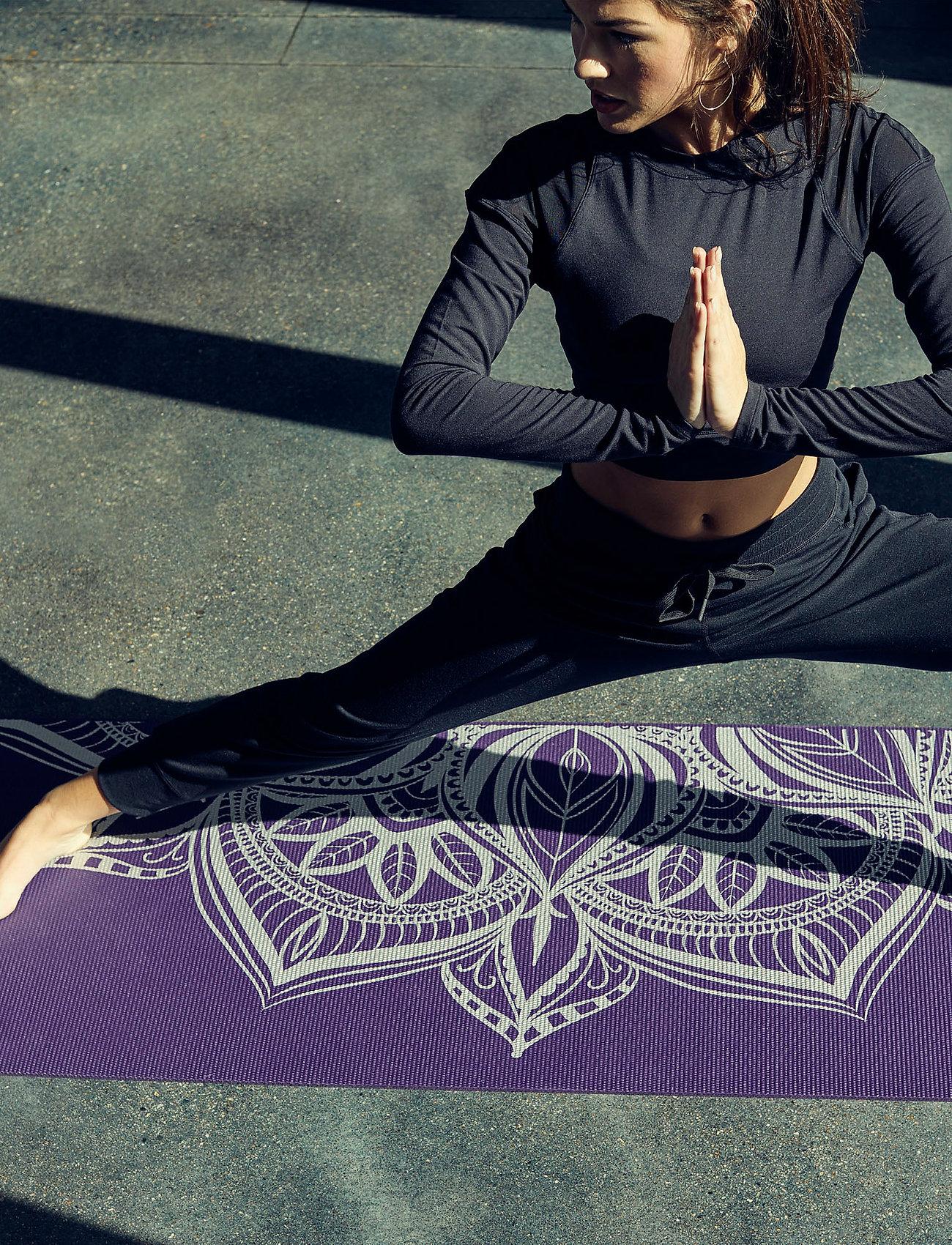 Gaiam - 6mm Yoga Mat Aubergine Madallion - joogamatot ja tarvikkeet - purple - 0