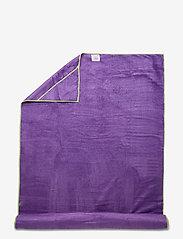Gaiam - Stay Put Yoga Mat Towel - yogamatten & uitrusting - purple - 0