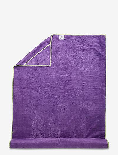 Stay Put Yoga Mat Towel - yogamatter og tilbehør - purple