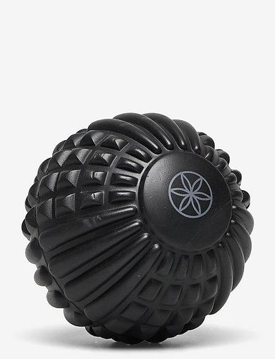 """GAIAM Restore 5"""" Foam Massage Ball - skumgummiruller og massasjeballer - black"""