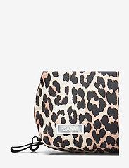 Ganni - Tech Fabric Toiletry Bag - torby kosmetyczne - leopard - 3