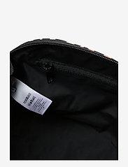 Ganni - Tech Fabric Toiletry Bag - torby kosmetyczne - leopard - 4