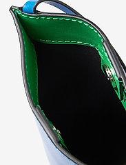 Ganni - Recycled Leather - tasker - daphne - 4