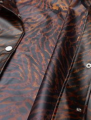Ganni - Biodegradable Jacket - vêtements de pluie - tiger - 5