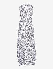 Ganni - Printed Crepe - slå-om-kjoler - heather - 1