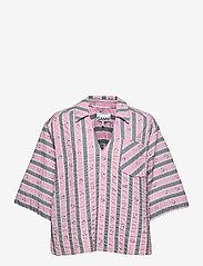 Ganni - Cotton Seersucker - kortærmede bluser - pink nectar - 0