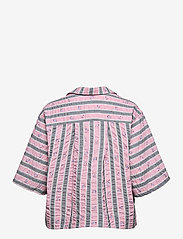 Ganni - Cotton Seersucker - kortærmede bluser - pink nectar - 1