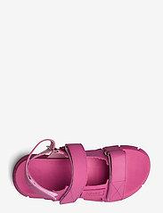 Ganni - Recycled Rubber - płaskie sandały - shocking pink - 3