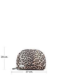 Ganni - Tech Fabric Toiletry Bag - torby kosmetyczne - leopard - 5