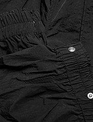 Ganni - Crinkled Tech - casual bukser - black - 4