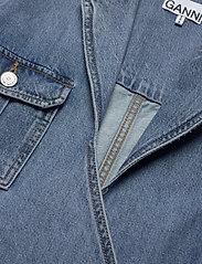 Ganni - Washed Denim - jeansowe koszule - washed indigo - 2