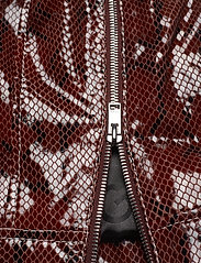 Ganni - Snake Foil Leather - nahkatakit - decadent chocolate - 8