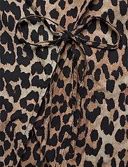 Ganni - Printed Cotton Poplin - lyhythihaiset paidat - leopard - 3