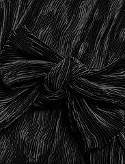 Ganni - Pleated Satin - cocktailkjoler - black - 3