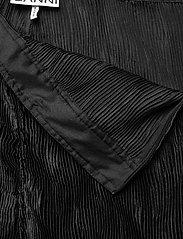 Ganni - Pleated Satin - tøj - black - 2