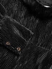Ganni - Pleated Satin - langärmlige blusen - black - 2