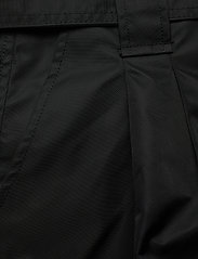 Ganni - Outerwear Nylon - paper bag shorts - black - 2