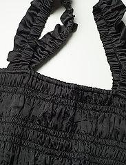 Ganni - Crinkled Satin - tøj - black - 2