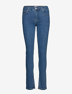 Classic Stretch Denim - MEDIUM BLUE