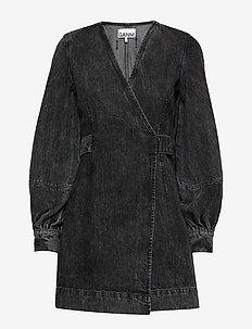 Washed Denim Wrap Dress - slå-om-kjoler - phantom