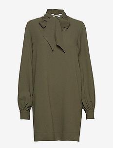Heavy Crepe Dress - korta klänningar - kalamata