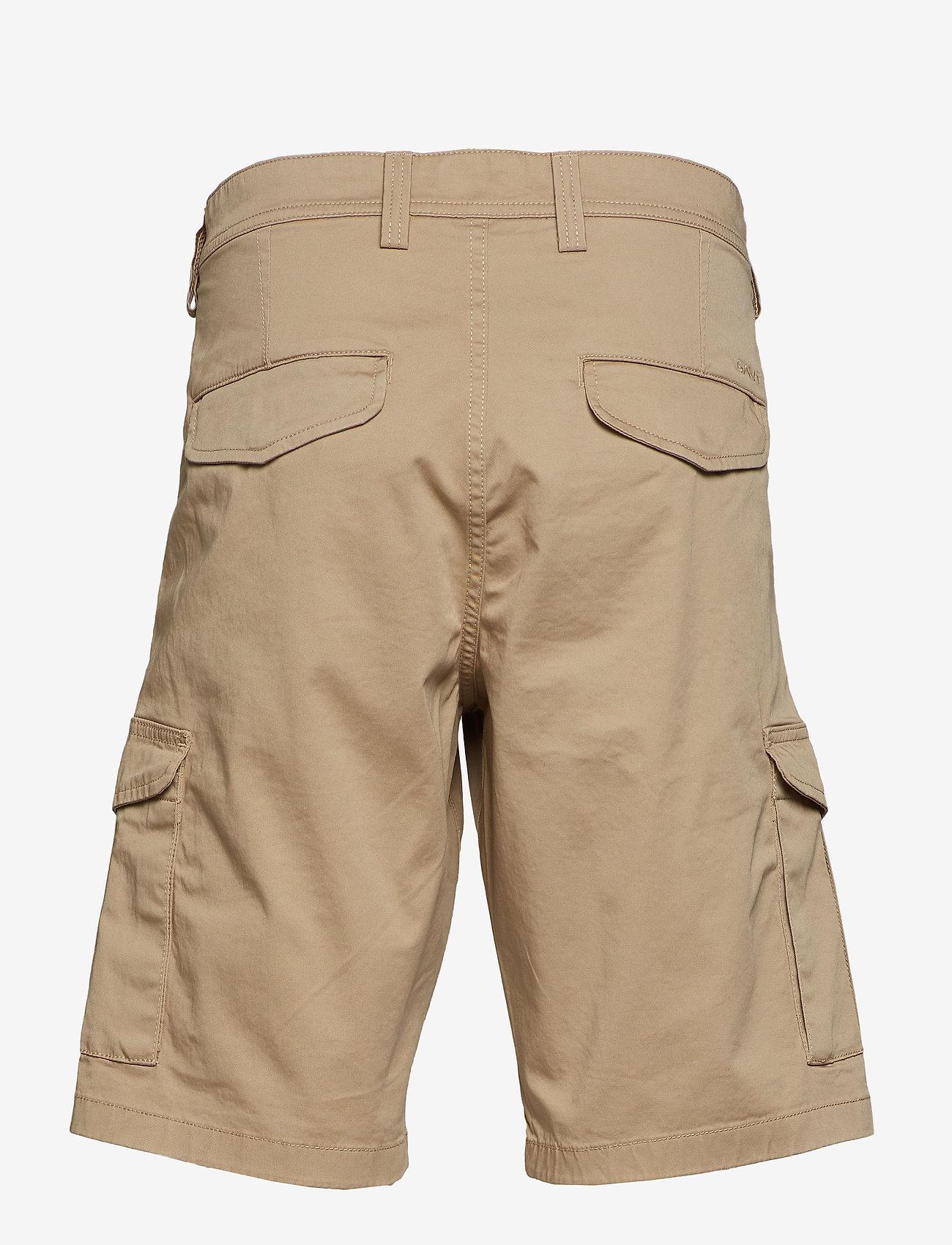 Gant - D1. RELAXED TWILL UTILITY SHORTS - casual shorts - dark khaki