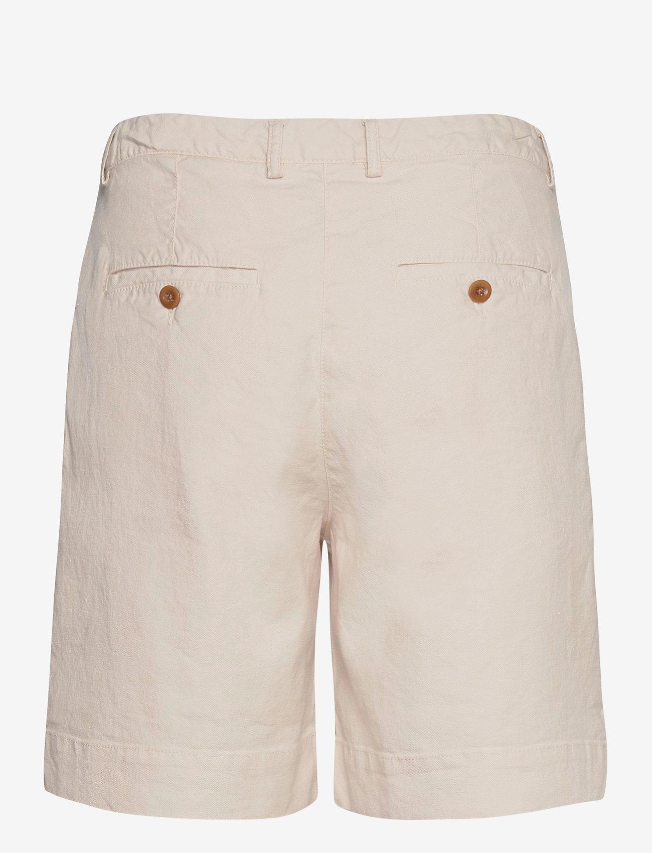 GANT - D1. HW PLEATED CITY SHORTS - chino shorts - putty - 1