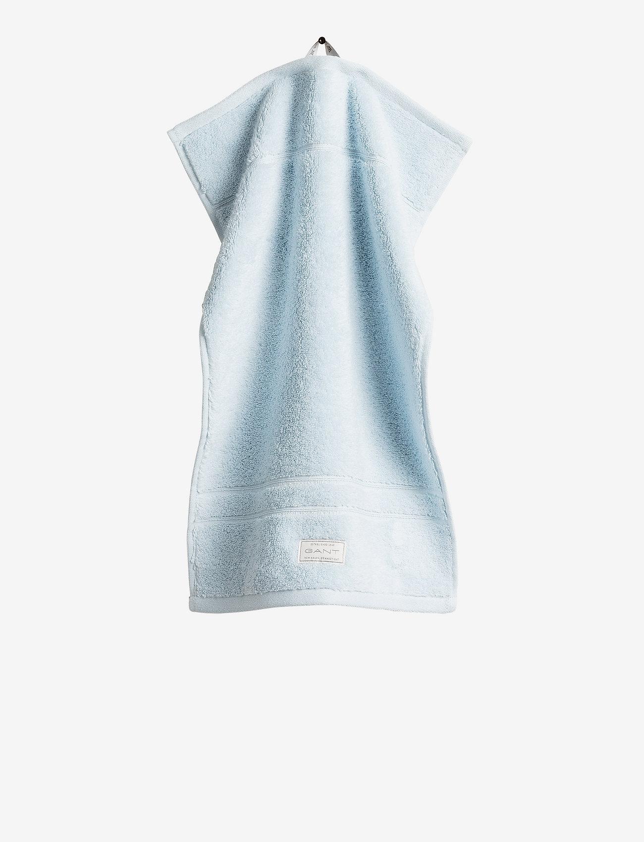 GANT - PREMIUM TOWEL 30X50 - hand towels & bath towels - pacific blue - 0