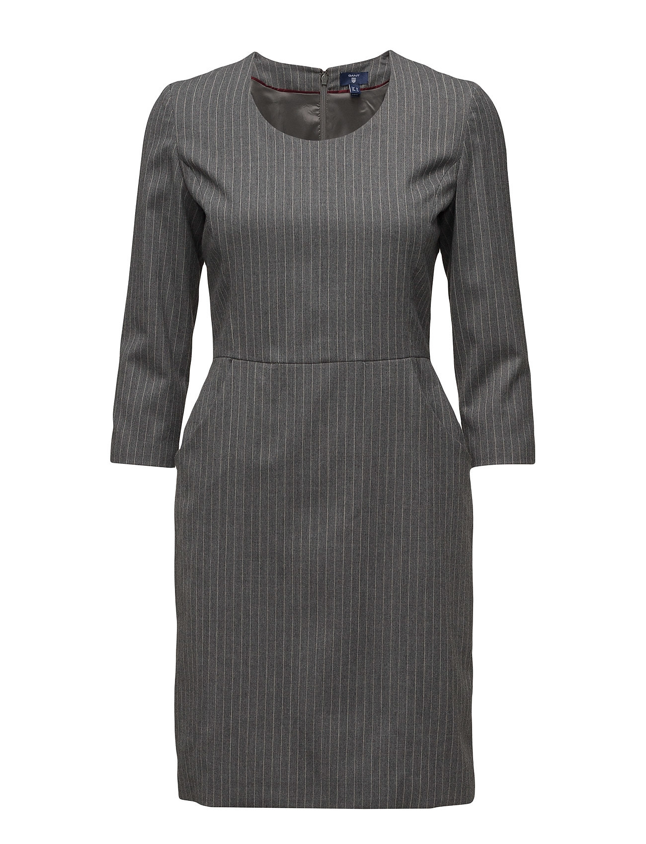 Artikel klicken und genauer betrachten! - GANT. Wolle 98%, Elastan 2%. Schmälernde Taille. Textil mit Stretcheffekt. Versteckter Knopfverschluss an der Rückseite. Nadelstreifen. Seitentaschen. Der Artikel ist für Damen, in der Farbe CHARCOAL MELANGE. Das Produktmaterial ist Wolle 98%, elastan 2% und der Artikel ist erhältlich in den Größen 34,42. Versandkosten betragen 0,00 €. Boozt bietet alle marktüblichen Zahlungsweisen wie Kauf auf Rechnung, Paypal und Kreditkartenzahlung. Ausserdem gibt es bei Boozt.com immer ein 30 tägiges Rückgaberecht und damit sind Retouren für Kunden kostenlos. | im Online Shop kaufen