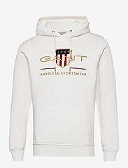 GANT - ARCHIVE SHIELD HOODIE - hoodies - eggshell - 0