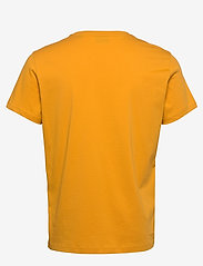 GANT - D1. COLOR LOCK UP SS T-SHIRT - short-sleeved t-shirts - ivy gold - 1