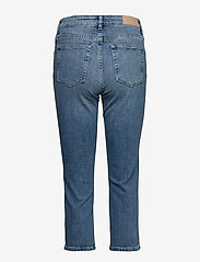 Gant - D1. SLIM BLUE CAPRI DENIM - straight jeans - light blue worn in - 1