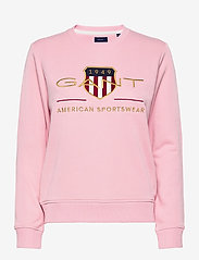 GANT - ARCHIVE SHIELD C-NECK SWEAT - sweatshirts - preppy pink - 0