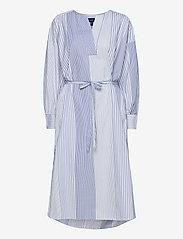 GANT - D1. MIX STRIPE KAFTAN DRESS - shirt dresses - blue bell - 0